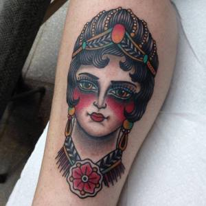 tatouage old school gitane kim nguyen